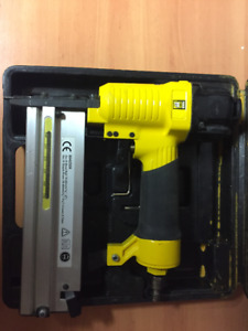 POWER FIST 2-in-1 Stapler Nailer