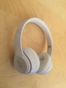 Beats solo 3 wireless gloss white/blanc lustré