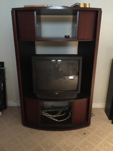 TV Unit, beautiful, wood finished, in great shape (+ FREE TV!)