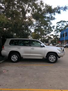 My 10 v8 turbo diesel Toyota landcruiser 200 gxl 4x4 8 seats
