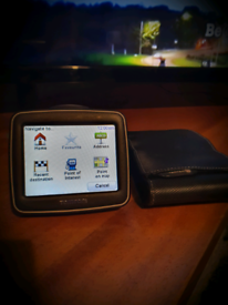 TOMTOM 1EX00 with carry case & charger