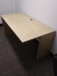 Office desk very good condition