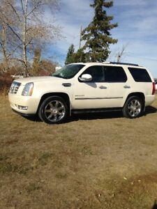 2011 CADILLAC ESCALADE ULTRA LUXURY EDITION,MINT CONDITION