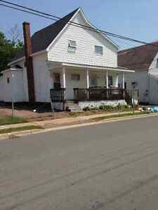 Large 2 bed with walk in closets