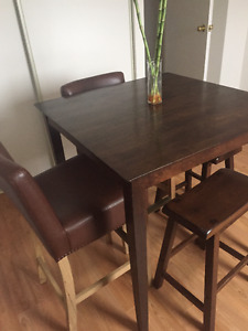 Wicker Emporium Bar table with four stools
