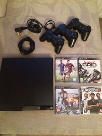 Playstation 3 500gb mint condition, 4 games, 2 controllers