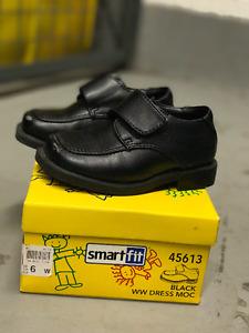 SmartFit Dress Shoes (Black) Size 6 Children's