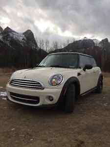 2011 MINI Mini Cooper Hatchback