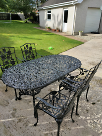 Garden/patio/outdoor table and chairs