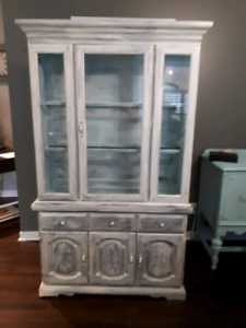 Shabby chic hutch