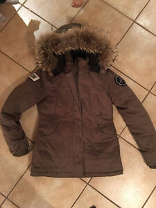 WINTER JACKET FOR SALE (NUMERO SMALL) West Island Greater Montréal image 1