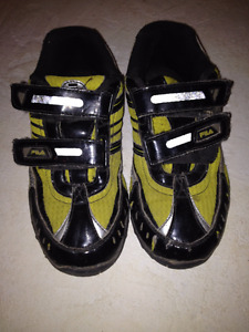 boys size 3 running shoes