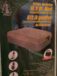 WOODS INFLATABLE QUEEN SIZE AIR BED/MATTRESS
