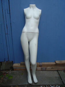 2 used life size mannequin West Island Greater Montréal image 1