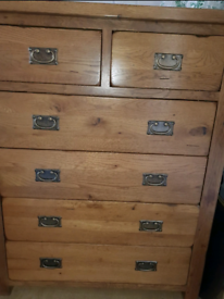 Oak furniture land 2 +4 large chest of drawers