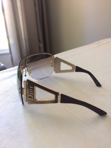 CHRISTIAN DIOR authentic very stylish sunglasses, bold look