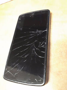 Selling Nexus 5 for Parts-Cracked Screen