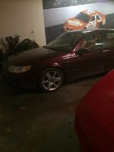 2003 Saab  9-5 ! Turbo  500$ selling for parts only. !   London Ontario image 1