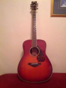 Yamaha 6-string acoustic Dreadnought guitar