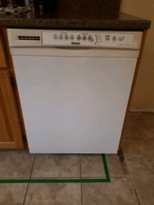 Ultra Wash Kenmore Dishwasher. Works great...just renovating.
