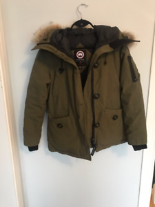 Canada Goose Montebello Parka Size SMALL in Military Green