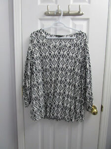 Ladies black/white pattern blouse from AE size 18 *worn once