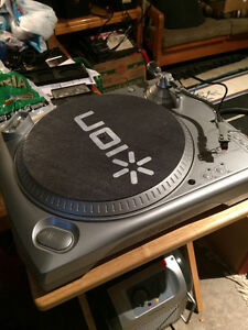 Ion Turntable (works fine) and 2 for parts (akai) $80 for all