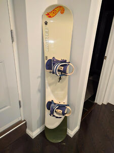 Reduced!!LIMITED QUEST 159 SNOWBOARD WITH BINDINGS