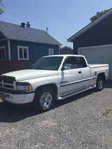 1997 Dodge Power Ram 1500 Laramie Camionnette
