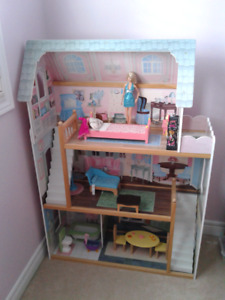 3. FOOT REAL WOOD DOLL HOUSE