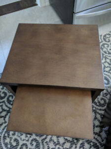 2 End tables - Thomasville Gallery Nesting Tables