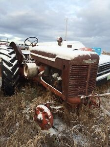 W9 gas tractor for parts. Moose Jaw Regina Area image 1