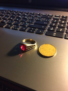 Men's Red Garnet Gold Nugget Style Ring!