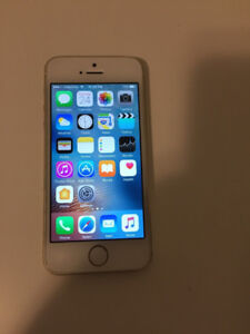 Iphone 5S Working (Doesn't Charge) 16 gb Unlocked , for parts