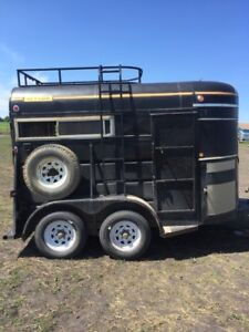 1986 WYLEE BUMPER PULL 2 HORSE TRAILER 8 FOOT