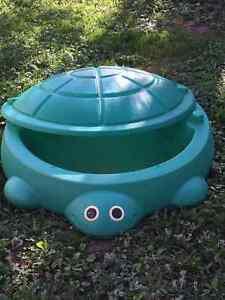 Turtle sandbox