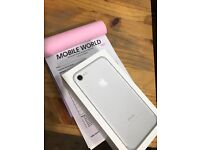 iPhone 7 256GB, Silver . Unlocked to all Networks 1 year apple Warranty.