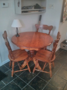 Oak kitchen table *SOLD*