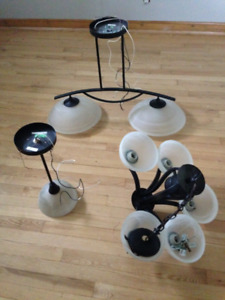 3 Very Good Condition Modern Fixtures!
