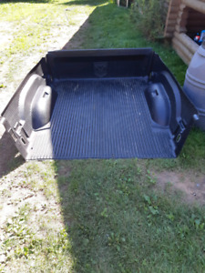 2006-08 box liner and arm rest dodge ram