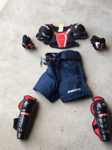 Hockey gear (5 - 6 years old)