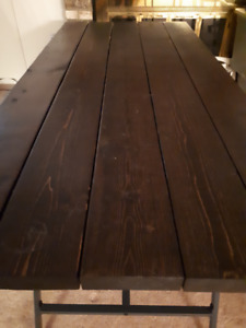 Excellent Solid wood dining table $ 150 OBO