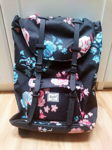 Herschel Little America Mid in Floral Blur (New Never Used)