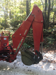 Backhoe attachment, Massey Ferguson