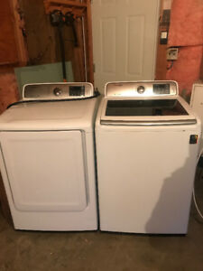 SAMSUNG WASHER/DRYER WHITE