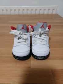 Toddler Jordan Nike Air maxs trainers white&red&siver