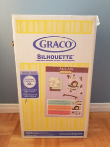 Brand New Graco Silhouette baby swing