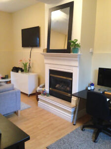 RENTED PENDING PAPERWORK.ALL INCLUSIVE BRIGHT OPEN CONCEPT UNITw