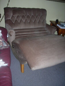 table /lounge /couch/chair