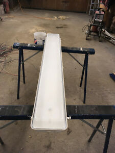 4ft double florescent  light two piece dust cover Stratford Kitchener Area image 2